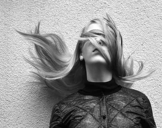 blindfolded-blind-hair-girl