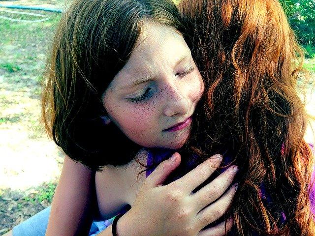 hug-1315552_640